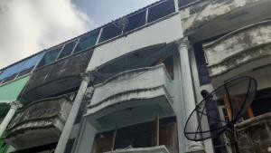 เครียดโควิด-19 ขยาย พ.ร.ก.ฉุกเฉิน เจ้าของร้านขายอาหารตามสั่งกระโดดตึก 3 ชั้นสาหัส