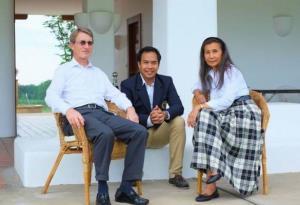 ฮาราลด์ ลิงค์ ประธานกลุ่มบริษัท บี.กริม , นารา เกตุสิงห์ และนันทินี แทนเนอร์