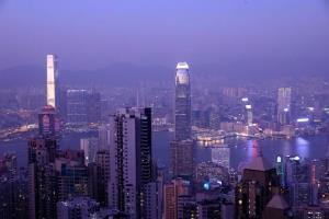 ฮ่องกงศูนย์กลางการเงินโลกถ่ายจากวิคตกเรียพีค ในฮ่องกง ภาพถ่ายเมื่อวันที่ 2 ม.ค. (แฟ้มภาพ รอยเตอร์ส)