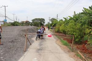 ชาวบ้านโวยหมวดทางหลวงสร้างอาคารปิดเส้นทางเข้าออกหมู่บ้าน