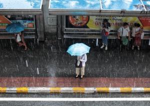 อุตุฯ เตือน อีสาน-ตะวันออก-ใต้ฝั่งตะวันตก ระวังอันตรายมรสุม ฝนตกหนัก กระหน่ำ กทม.ร้อยละ 40