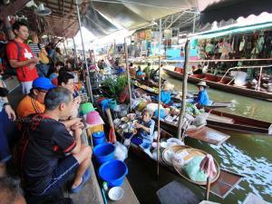 """""""ตลาดน้ำดำเนินสะดวก"""" เตรียมเปิดต้อนรับนักท่องเที่ยวสุดสัปดาห์นี้"""