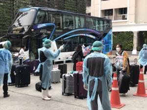 """สธ.ยกเคสจีน """"รถบัส"""" คนแน่น อากาศปิด ติดโควิดไกล 4.5 เมตร เผยบีทีเอสเตรียมวิ่งแบบเปิดหน้าต่าง"""