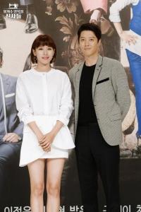 """""""อีดองกอน"""" หย่า """"โจยุนฮี"""" หลังพบรักในกองถ่ายและแต่งงานกันแค่ 3 ปี"""