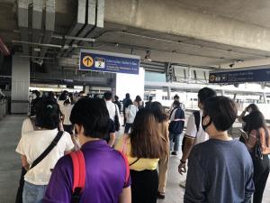 กรมรางสำรวจมาตรการคุมโควิด-19 รถไฟฟ้าผู้โดยสารเพิ่มอีกกว่า 4 หมื่นคน