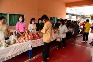 5 องค์กรยันตั้งตู้ปันสุขขอนแก่น ช่วยคนเดือดร้อนจนกว่าโควิดสงบ