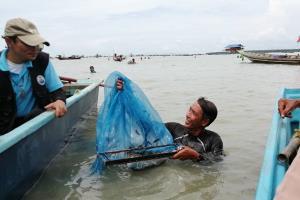 มาเฟียคอกหอยเย้ยผู้ว่าฯ-แม่ทัพน้อย ส่งลูกน้องไล่ชนเรือชาวบ้านห้ามจับลูกหอยแครง