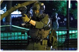 "In Clip : ประท้วงเดือดมินนีอาโปลิส ถูกยิง 3 ดับ 1 ทรัมป์จุดไฟเผาเมือง ข่มขู่ส่งกองทัพสหรัฐฯเข้ารัฐมินเนโซตา พี่ชายฟลอยด์ยัน ""ทรัมป์ไม่เปิดโอกาสให้พูด"" ร้านหลุยส์วิตตองถูกปล้น"