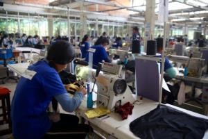 เศรษฐกิจกัมพูชาหดตัวหนักเหตุโควิด-19 ระบาด กระทบความต้องการในตลาดโลก