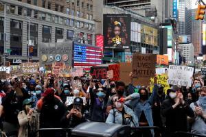 นิวยอร์กประกาศเคอร์ฟิว! ผวาม็อบรุนแรงต้านเหยียดผิว แถมแพร่กระจายเชื้อโควิด-19