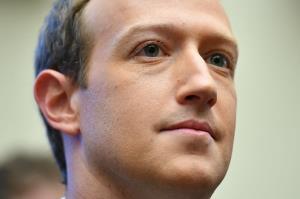 ยุ่งแล้ว! พนง.เฟซบุ๊กแห่ 'ทวีต' ประท้วง 'ซักเคอร์เบิร์ก' ไม่เซ็นเซอร์ข้อความ 'ทรัมป์'