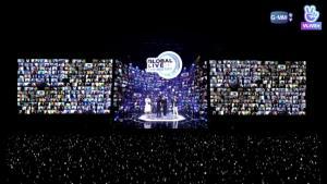 """""""คริส-สิงโต"""" สตาร์ทความฟิน ในงาน """"Global Live Fan Meeting""""  มิติใหม่แฟนมีตติ้งออนไลน์ผ่าน VLIVE ครั้งแรกในประเทศไทย  กระแสแรงไปกว่า 67 ประเทศทั่วโลก"""