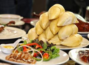 """ใบหยก สกาย ต้อนรับการกลับมาของ """"สุดยอดอาหารจีน VS ราชาผลไม้"""" พร้อมโปรโมชั่นพิเศษ"""