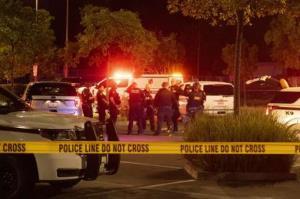โหดได้อีก! ตำรวจสหรัฐฯ ยิงวัยรุ่นตายขณะคุกเข่ามอบตัวกลางเหตุจลาจลต้านเหยียดผิว