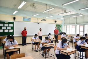 เปิดแผนการสอน ร.ร.กทม. มีทั้งเรียนปกติ-สลับวันมาเรียน ห้ามเกิน 20 คนต่อห้อง