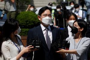ศาลเกาหลีใต้ปฏิเสธออกหมายจับรองประธานซัมซุง