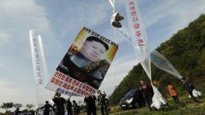 วุ่นหนัก!! โสมแดงประกาศตัด 'สายด่วน' เกาหลีใต้ แค้นปล่อยผู้แปรพักตร์ร่อนใบปลิวโจมตี 'คิม'