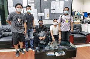 ไม่รอด ตำรวจตามรวบอดีตครูสอนศิลปะหนีคดีข่มขืน 16 ปี กบดานฝั่งธนฯ