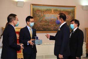 หัวเว่ย มอบหน้ากากอนามัยรัฐบาลไทย 500,000 ชิ้น