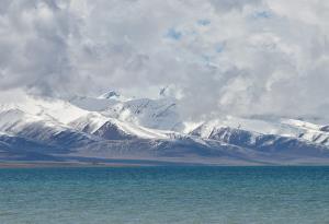 ทะเลสาบน่ามู่ชั่ว หรือทะเลสาบนัมโซ แห่งทิเบต
