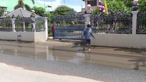 ปัญหาซ้ำซาก ชาวบ้านวอนหน่วยงานรัฐชัยนาท แก้น้ำท่วมขังหลังฝนตกทำอุบัติเหตุเกิดขึ้นบ่อยครั้ง