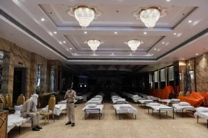 อินเดียวิกฤต!เตียงไม่พอรับคนไข้โควิด-19 ยอดติดเชื้อพุ่งหลังด่วนเปิดห้างฯ,วัด