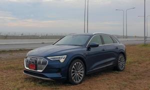 Audi e-tron 55 quattro แรง หรู เติมไฟบ้านได้