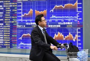 ตลาดหุ้นเอเชียปรับลบ นักลงทุนวิตกโควิด-19 ระบาดรอบสอง