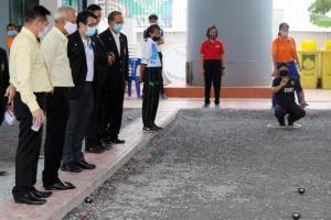 """""""รัฐมนตรีกีฬา"""" นำตรวจเยี่ยมให้กำลังใจนักกีฬาทีมชาติไทย"""