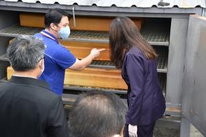 รมช.เกษตรฯ ติดตามความคืบหน้าโครงการส่งเสริมการใช้ยางพารา จันทบุรี