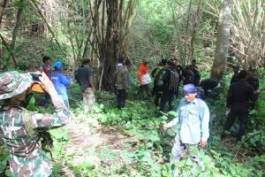 สนธิกำลังเจ้าหน้าที่ค้นหาสาวใหญ่เข้าป่าเก็บเห็ดโคน หลงป่า 2 วัน 1 คืน