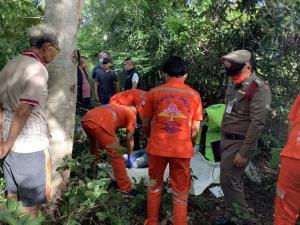 ชาวบ้านผงะ! ผัวขี้หึงฆ่าเมียตัวเองผูกคอตายในป่าชุมชนหนีความผิด