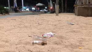 ผงะ! ขยะเกลื่อนหาดจอมเทียนเมืองพัทยา หลังยกเลิกเคอร์ฟิว