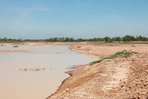 """""""นิพนธ์"""" ตรวจอ่างเก็บน้ำหนองช้างใหญ่ เมืองอุบลฯ แก้ปัญหาน้ำท่วม-น้ำแล้ง"""