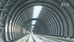 จีนสร้าง 'อุโมงค์เงียบ' ครอบสะพานรถไฟ ช่วยซับเสียง 'ม้าเหล็กเร็วสูง' สำเร็จ
