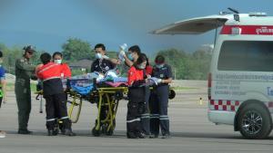 นาทีชีวิต! ทีมสกายดอกเตอร์เสี่ยงบินฝ่าอากาศแปรปรวนช่วยสาวกะเหรี่ยงตกเลือดหลังคลอดกลางดอย