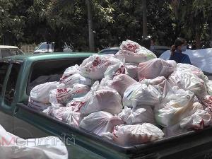 วัดนาทวีร่วมกับนักธุรกิจหมื่นล้านชาวมาเลย์แจกถุงยังชีพนับพันชุดช่วยประชาชนรอบวัด