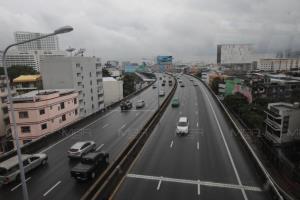 ฝนตกต่อเนื่อง! เตือน เหนือ-ใต้ ฝนถล่ม-ระวังอันตราย กทม.โดนร้อยละ 40