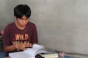 วอนช่วยหนุ่มน้อยเรียนเก่ง 2 ปี สอบเข้าสถาบันชื่อดังได้ 3 แห่ง แต่ไม่มีเงินเรียน
