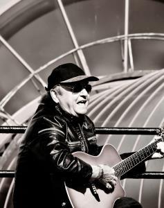 Gerry Marsden 2011 (ภาพ : วิกีพีเดีย)