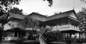 """""""ส.ส.เอกการ"""" จี้ ก.วัฒนธรรมร่วมรับผิดเหตุรื้ออาคารบอมเบย์ฯ 127 ปี ลั่นจับมือชาวแพร่ทวงคืนให้ถึงที่สุด"""