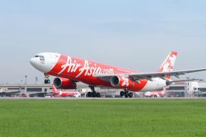 """ครั้งเเรก! แอร์เอเชียเปิดตัวตั๋วบุฟเฟต์ """"บินทั่วไทยไม่อั้น"""" 2,999 บาท แลกเส้นทางบินไม่จำกัดถึงสิ้นปี"""