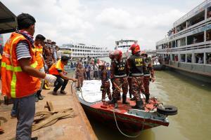 In Clip: เรือเฟอร์รีบังกลาชนกันสนั่น ดับไม่ต่ำกว่า 32 ศพ ปาฎิหารย์รอดชีวิตมาได้ 1 หลังจมนานกว่า 12 ชั่วโมง