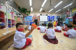 รับเปิดเทอมนิวนอร์มัล ผู้ว่าฯ กทม. ตรวจเยี่ยมโรงเรียนในสังกัด ติดตามมาตรการป้องกันการแพร่ระบาดโควิด-19