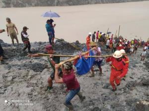 ยอดดับเหตุดินถล่มในเหมืองหยกพม่าเพิ่มต่อเนื่อง ล่าสุดพุ่งเกิน 100 ราย