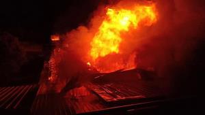 เผยปมตลาดยิ่งเจริญไฟไหม้ แก๊สร้านขนมรั่วก่อนระเบิด ลูกจ้างสาหัส 2 ราย