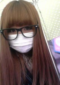 สาวญี่ปุ่นแนะนำวิธีการใส่หน้ากากอนามัยให้ดูสวยขึ้น