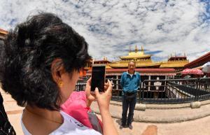"""""""วัดโจคัง"""" มรดกโลก วัดศักดิ์สิทธิ์ที่สุดในทิเบต เปิดรับนักท่องเที่ยวอีกครั้ง"""