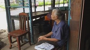 ยายวัย 75 พร้อมลูกหลาน 5 ชีวิตวอนช่วยด่วน! โดนเบี้ยวหนี้ขายบ้าน เจ้าของใหม่ไล่ที่ซ้ำ ถึงขั้นชวนแม่รมควันฆ่าตัวตาย