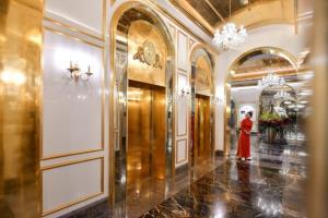 หรูกว่านี้ไม่มีอีกแล้ว..ฮานอยเปิดตัวโรงแรมทองคำ 5 ดาวแห่งแรกใจกลางกรุง ส่องประกายระยิบระยับวิบวับมาแต่ไกล